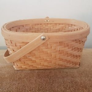 Other - ♥️ 5 for $25 Wicker basket with moveable handle